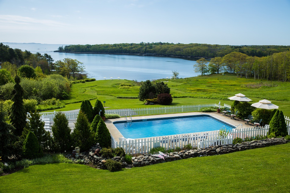 Midcoast Maine Hotel With Pool